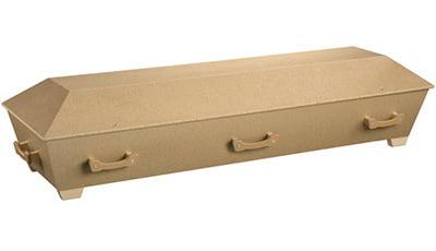 Enkel kiste i sponplate med ubehandlet overflate. Modellen har en enkel innredning